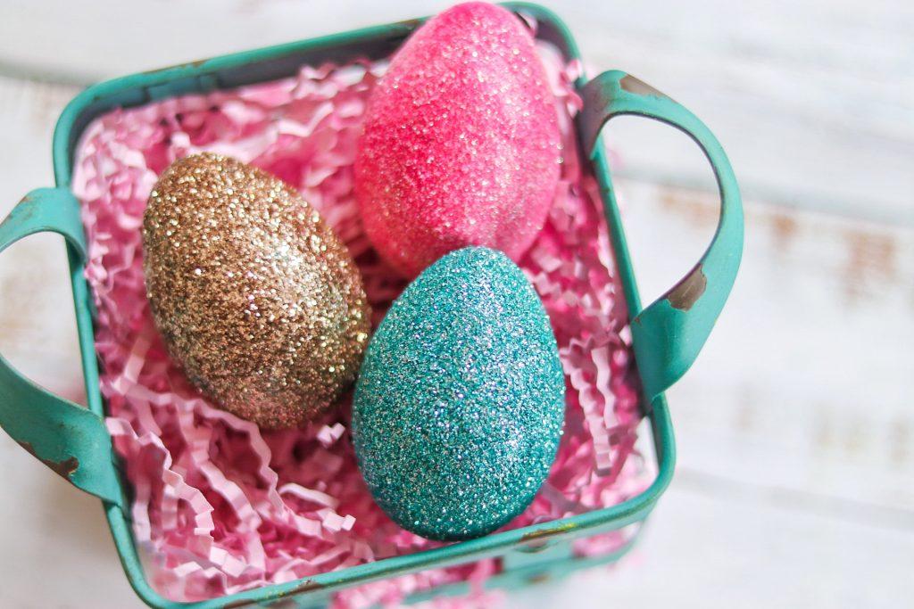 fabulous easter eggs: glitter easter eggs
