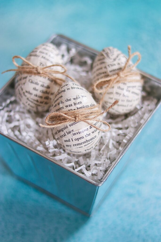 Fabulous (and easy) Easter Eggs: Decoupage Book Print Easter Eggs
