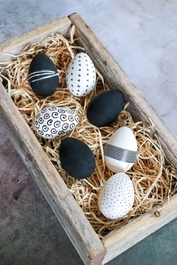 beautiful easter eggs ideas: black and white easter eggs decorations