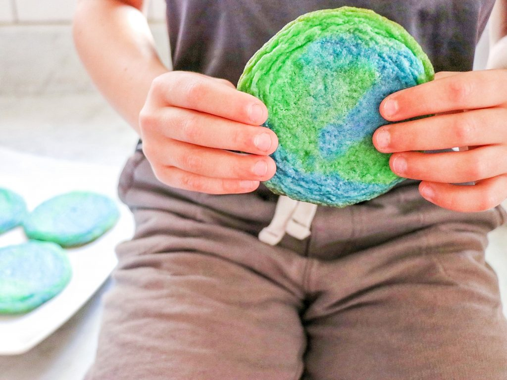 Earth cookies (Earth Day cooking activity for kids)