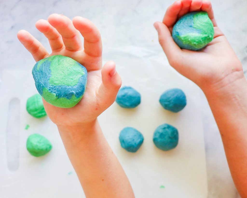 How to make Earth sugar cookies for Earth Day