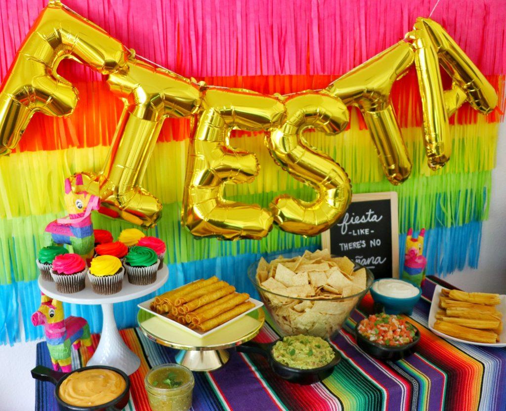 Fiesta like there's no manana Cinco de Mayo party decor