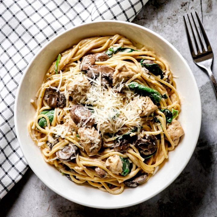 Instant Pot Creamy Chicken and Mushroom Spaghetti