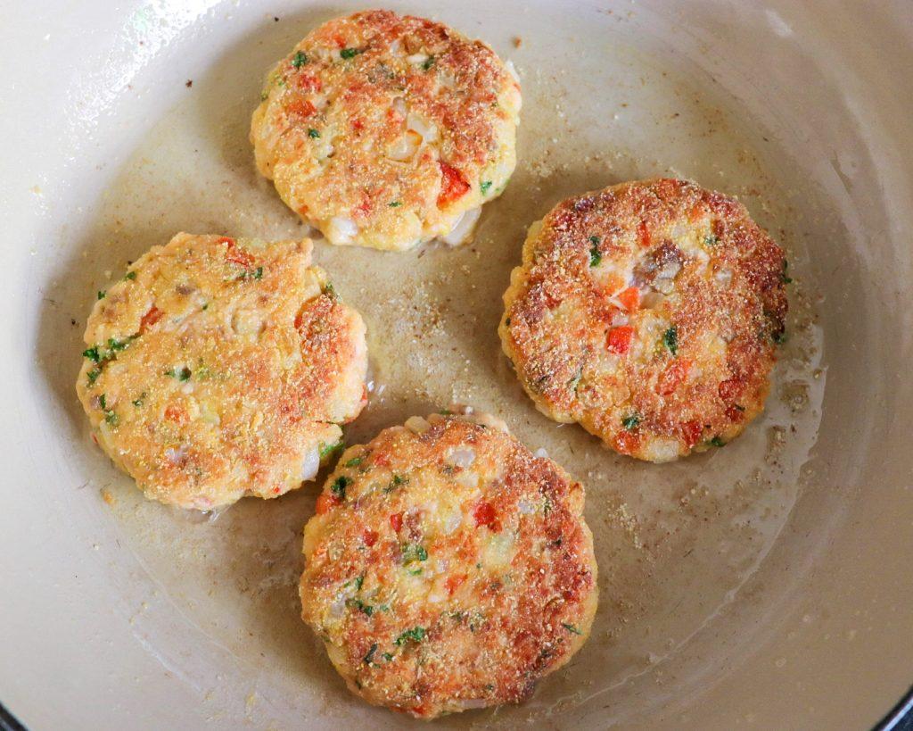 salmon croquette recipe with cornmeal