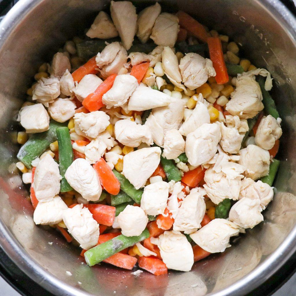 creamy pasta primavera with chicken