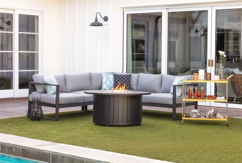 Fire pit design ideas: Outdoor sectionals