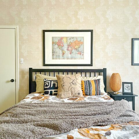 travel themed guest room