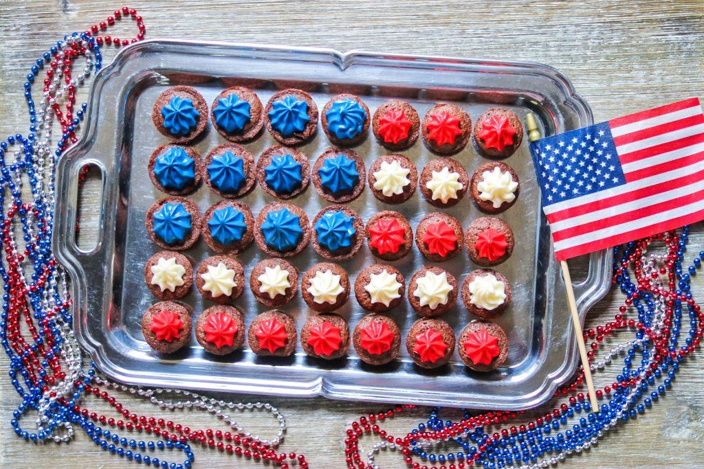 4th of July snacks: Patriotic red, white, and blue brownies