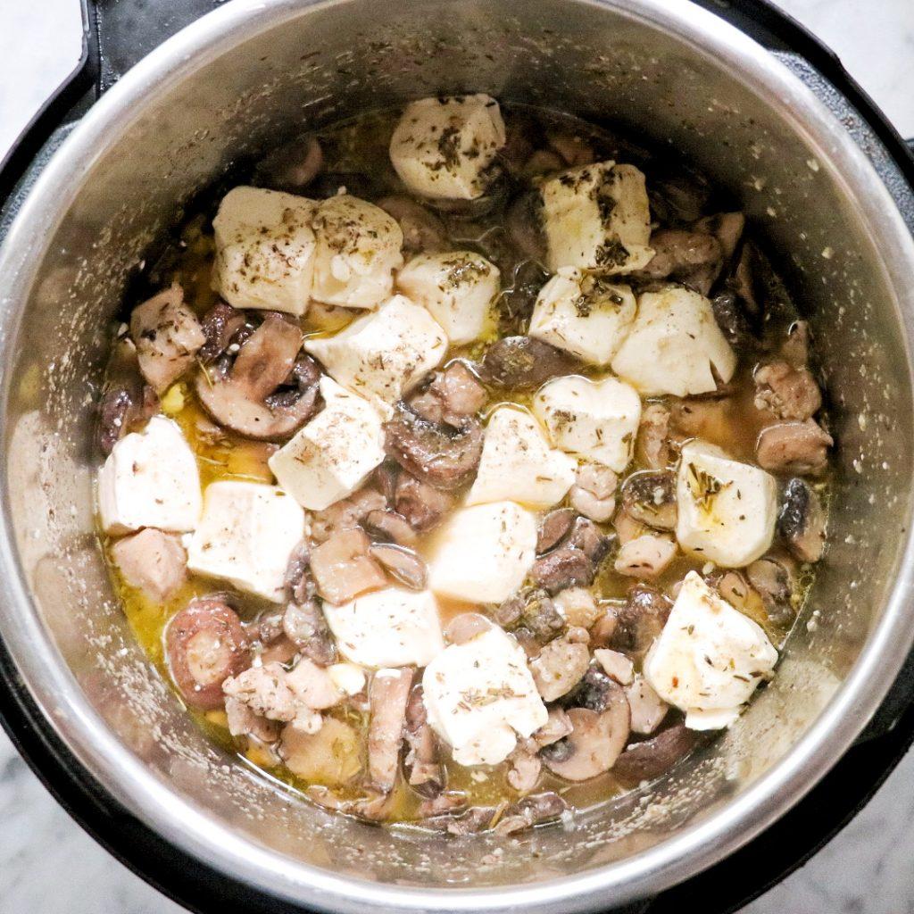 Instant Pot chicken mushroom pasta