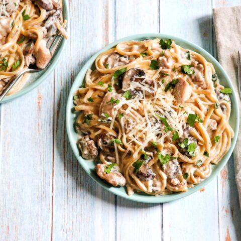 Creamy Instant Pot Chicken and Mushroom Pasta