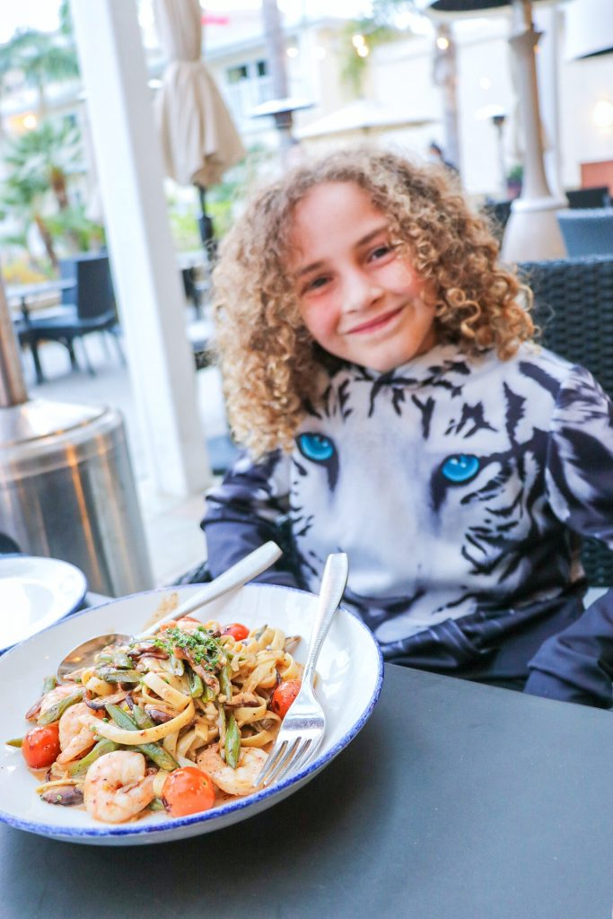 Best places to eat in Los Angeles: Shrimp Fettuccini at Beachside Marina del Rey
