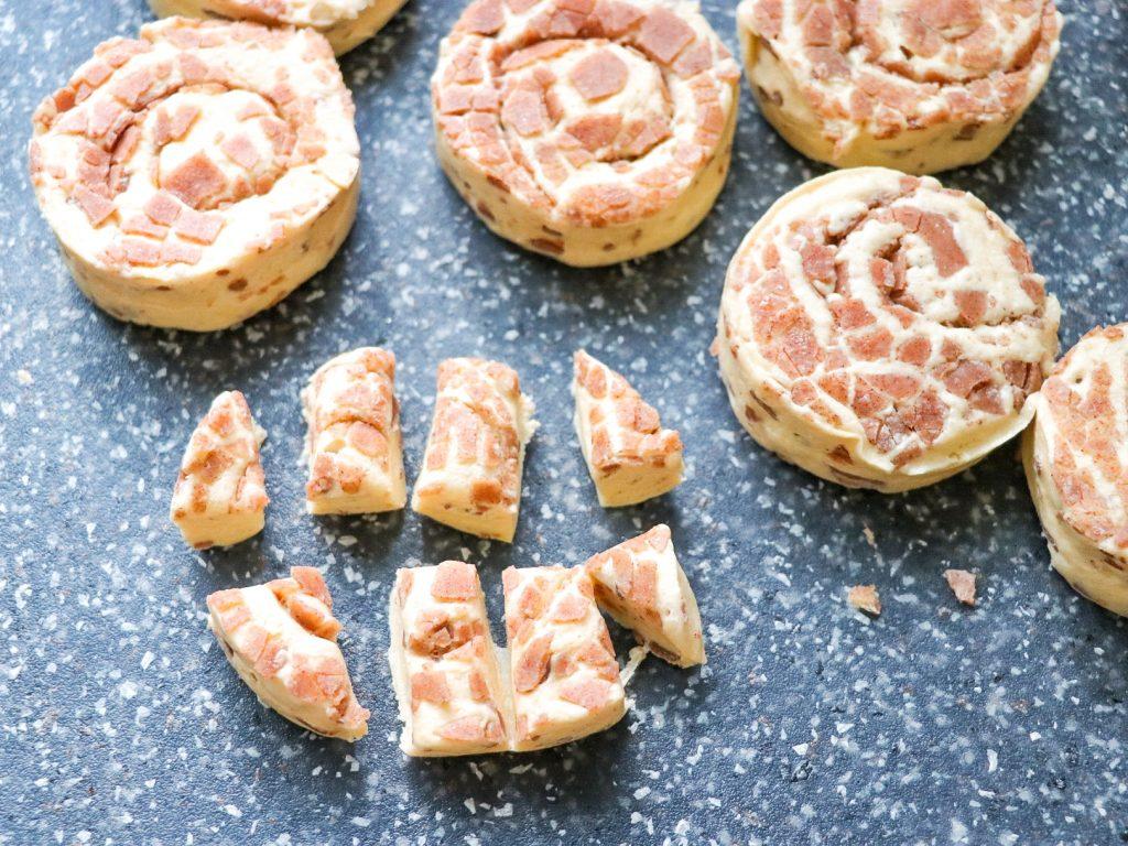 how to make a cinnamon roll breakfast bake