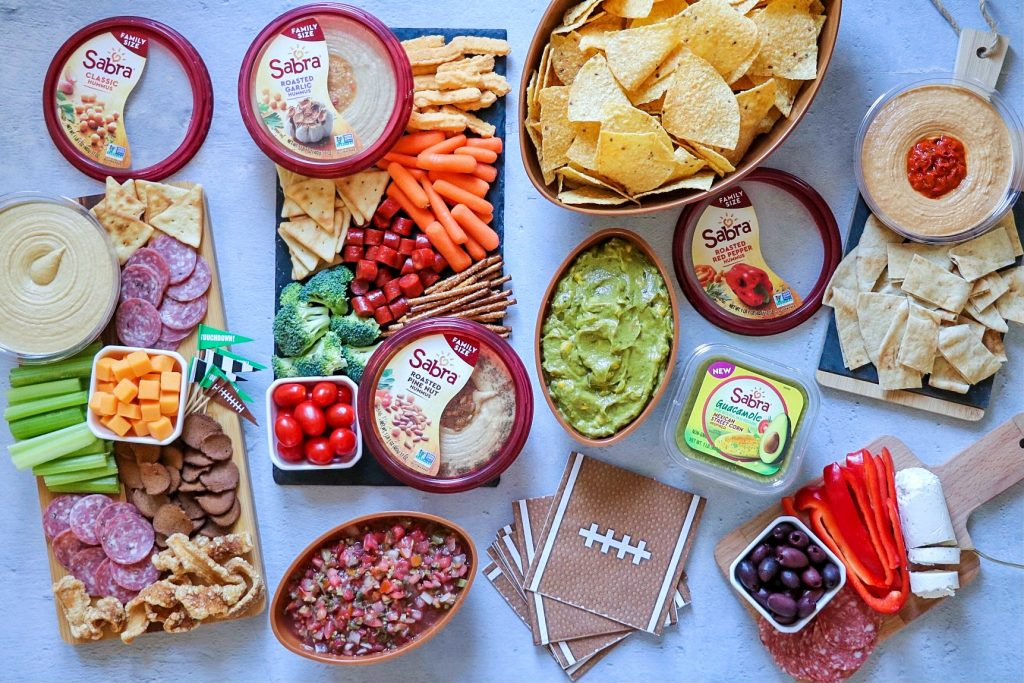 What to Eat with Hummus: Pairings for an Epic Hummus Snack Board